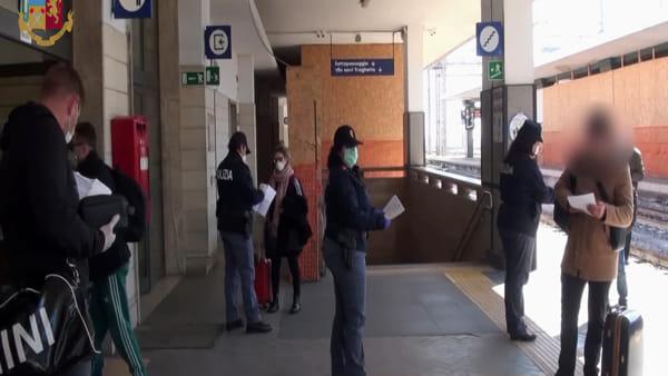 Covid-19, controlli serrati nelle stazioni: pochi i viaggiatori diretti a Reggio dal Nord |VIDEO