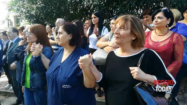 Giù le mani dall'Hospice, manifestazione in difesa della struttura di via delle Stelle