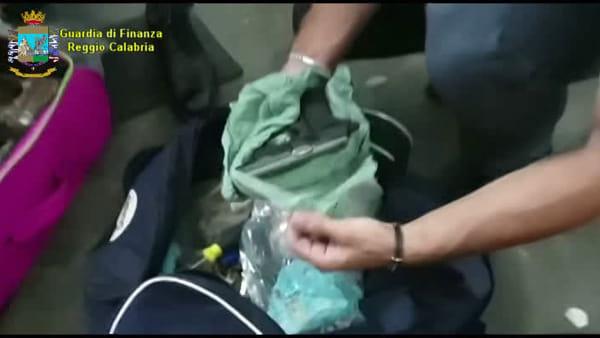Sequestrati in città esplosivo, detonatori, armi e droga: 2 arresti in flagranza
