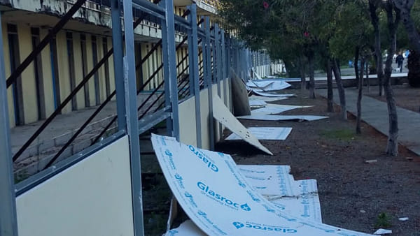 Lido comunale pannelli distrutti 03-2
