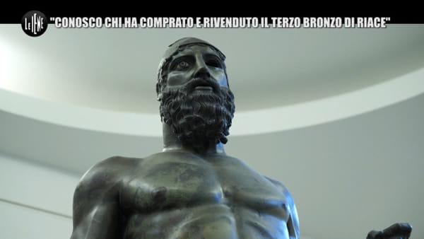 """Bronzi di Riace, la rivelazione choc a Le Iene: """"Esiste una terza statua, fu portata a Roma e venduta"""""""