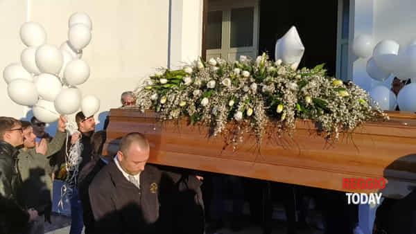L'ultimo addio a Carlo, celebrati i funerali nella Chiesa di San Domenico