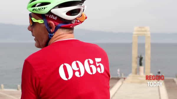 In bicicletta per rievocare la storia amaranto, il ritorno in città di Maurizio Raggi